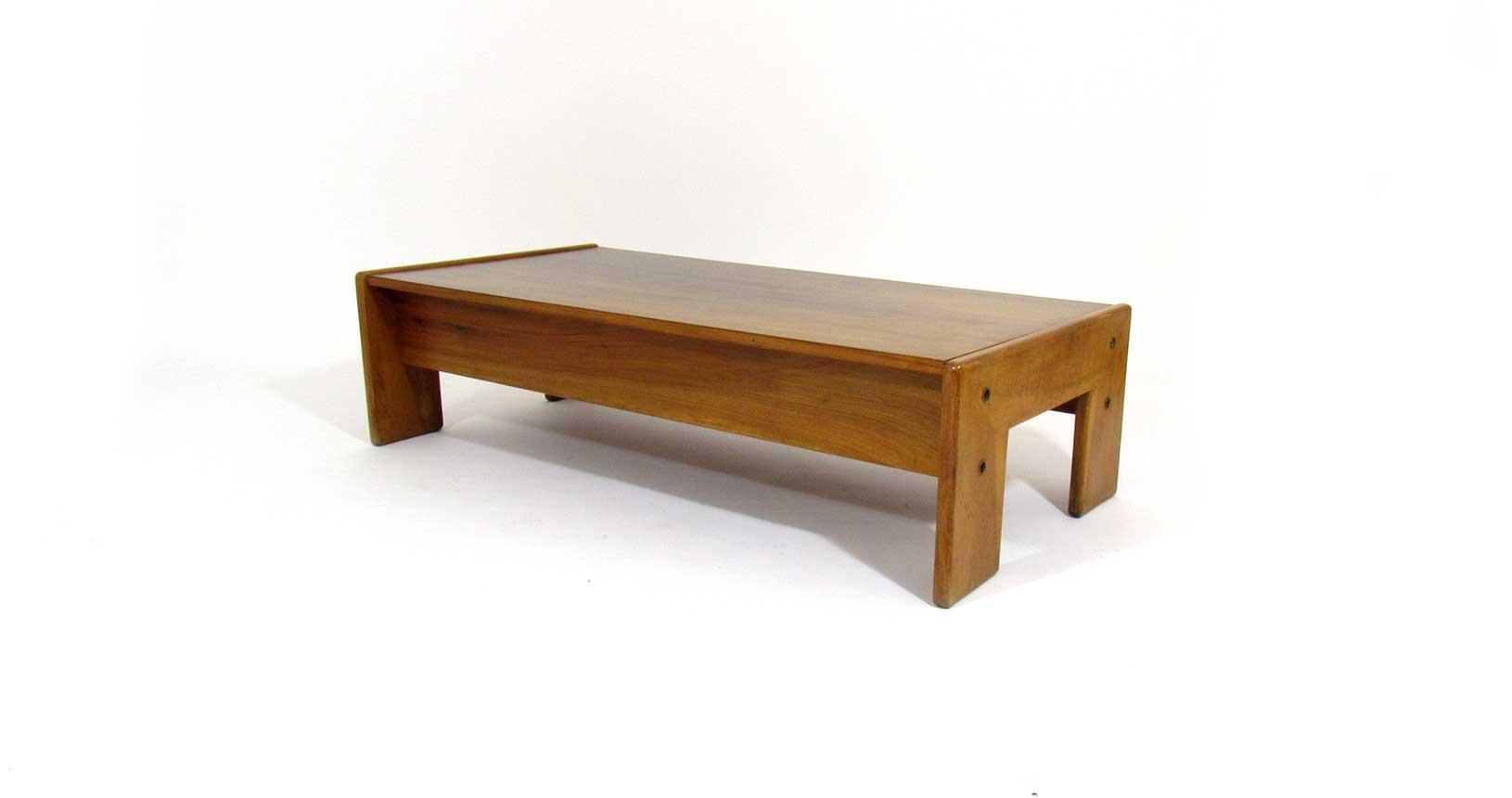 Bastiano table gavina design tobia scarpa knoll afra wood design vintage iconicdesign iconic design