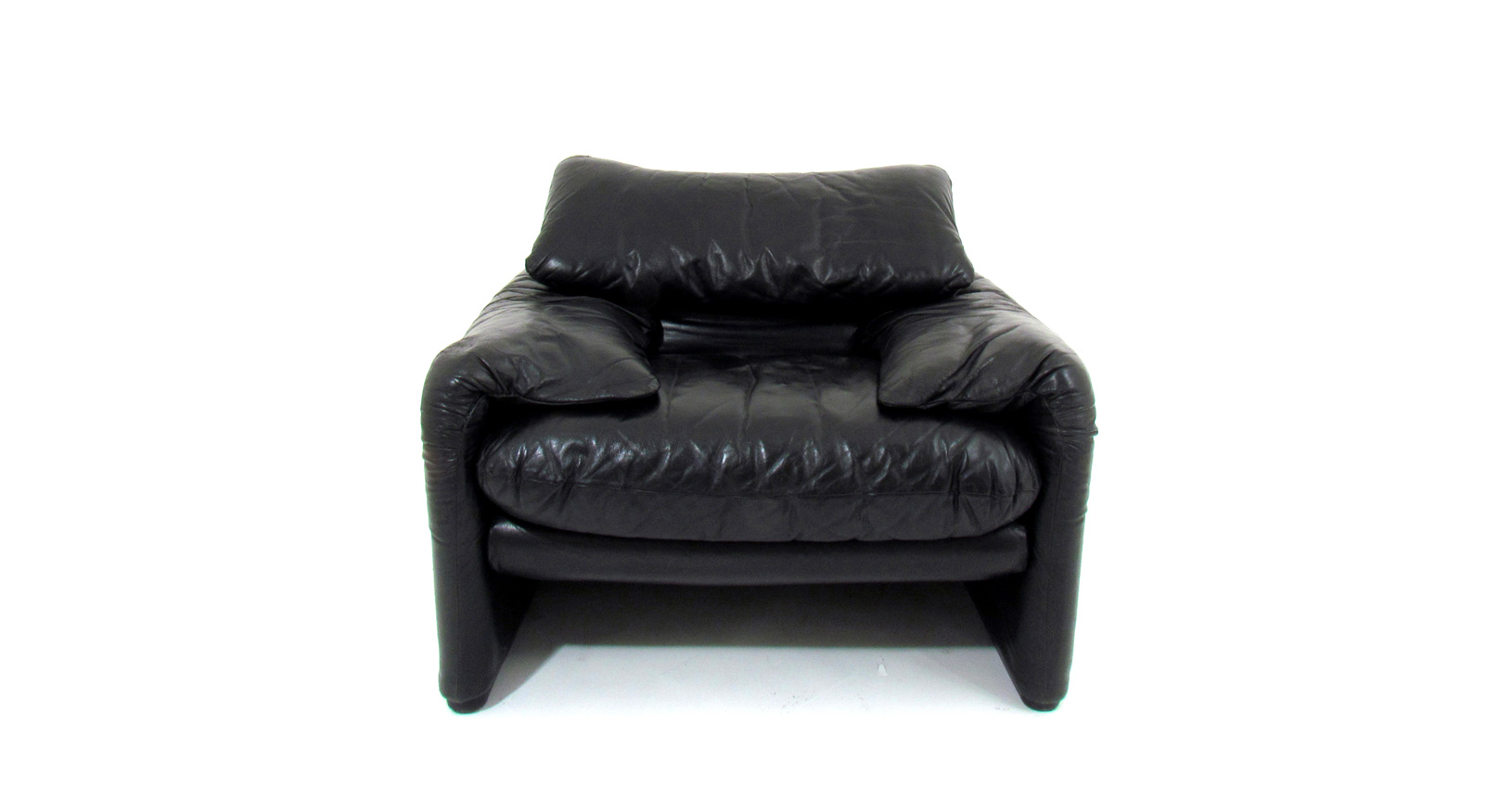 Maralunga armchairs poltrona leather pelle magistretti cassina compasso d'oro
